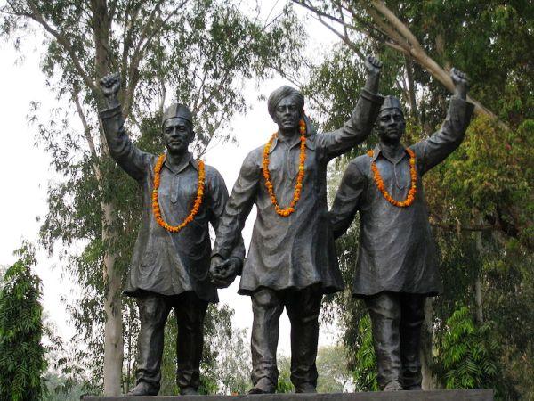 800px-Statues_of_Bhagat_Singh,_Rajguru_and_Sukhdev