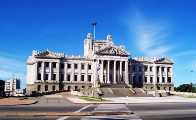 presidential palace uruguay-2