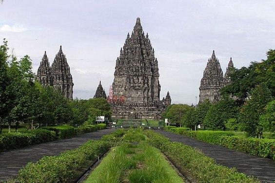 indo-10-Java-Prambanan-temples
