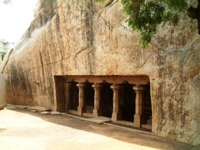 pallava cave in rfort built in 580 AD