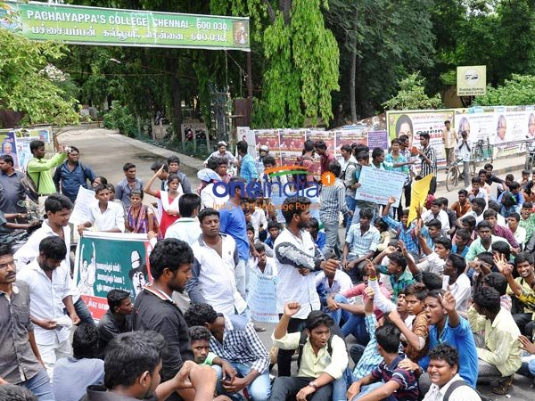 college students agitating