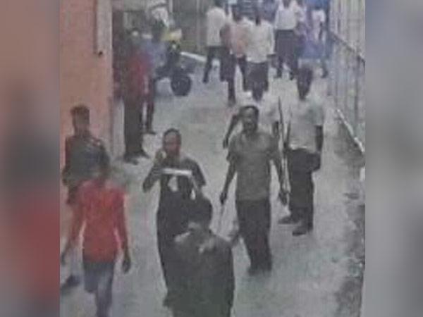 16-1474006680-bengaluru-police-found-criminals-hand-work-behind-cauveri-riots1