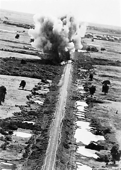 RAF_aircraft_attack_bridges_on_the_Burma-Siam_railway