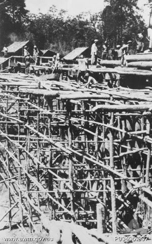 Songkurai__Thailand__1943__Building_the_Songkurai_bridge_on_the_Burma-Thailand_railway (1)