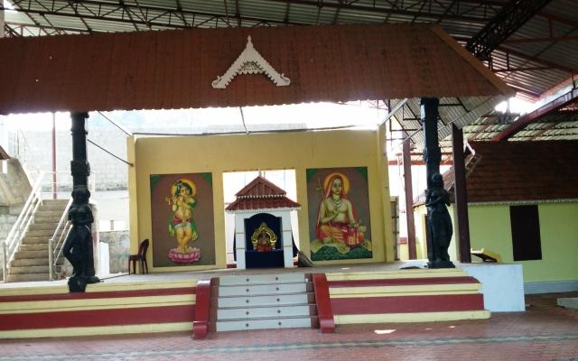 சங்கரர் பிறந்த இடத்தில் அமைந்துள்ள கிருஷ்ணர் கோவில்