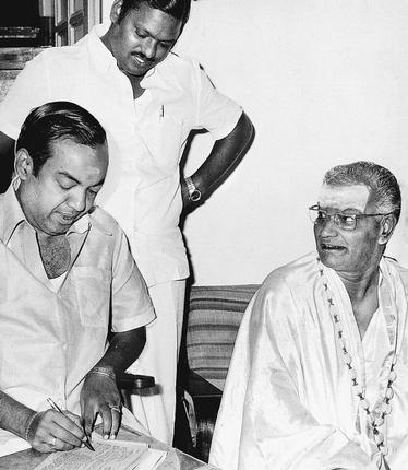 kannadasan-and-chinnappa-thevar