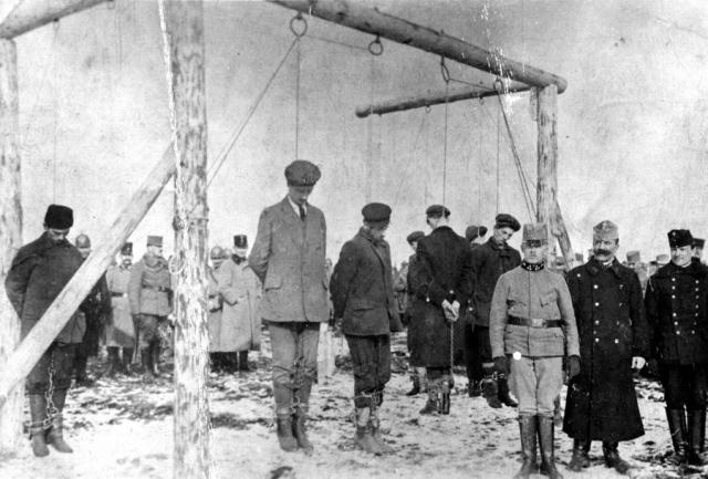 austro-hungarian-troops-executing-serbian-civilians