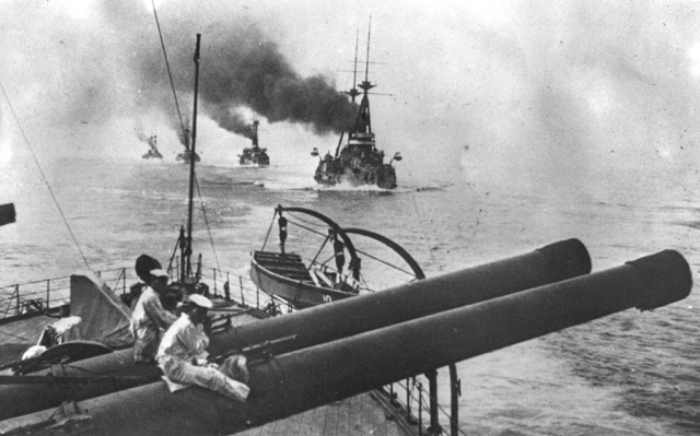 japanese-fleet-off-the-coast-of-china-in-1914